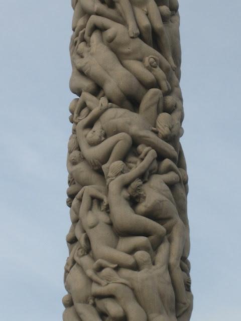 vigeland-park-saeule-skulpturen-oslo