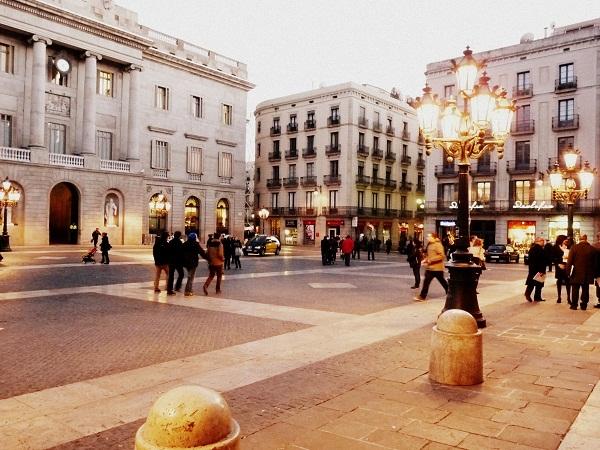 barcelona-barrio-gotico-plaza-sant-jaume
