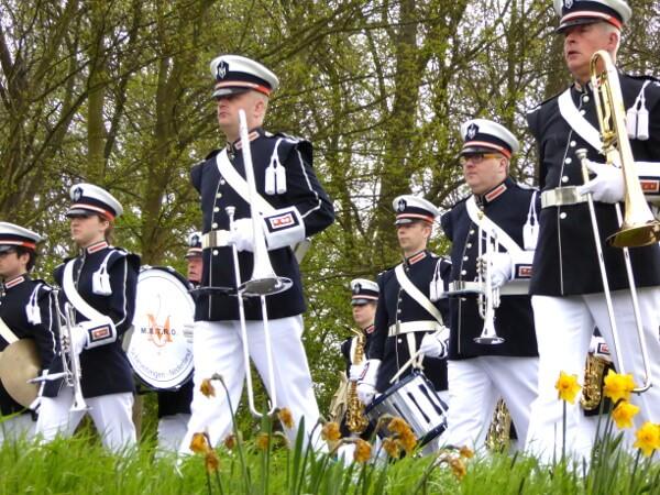 Blumenkorso Holland Bollenstreek Kapelle