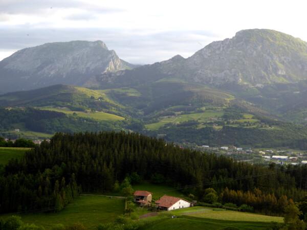 Gebirge Berge Alpenflair im Baskenland Bizkaia Spanien