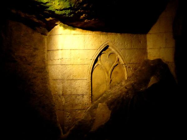 radtour unter der Erde kirche Bouvet-ladubay