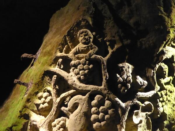 verzierungen felsen höhle Bouvet-ladubay