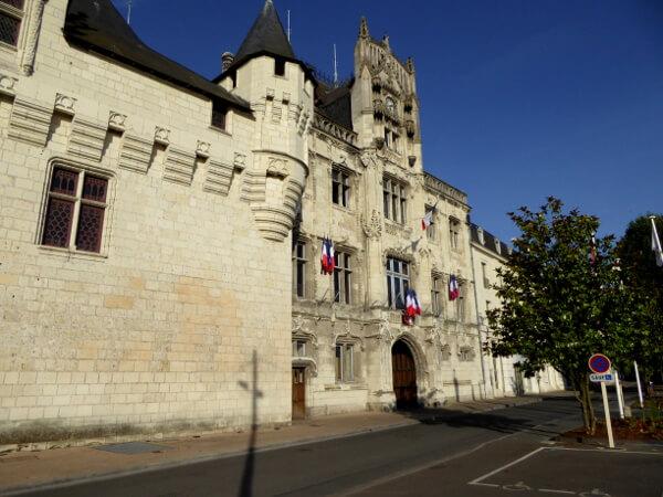 Saumur Rathaus dreiteilig