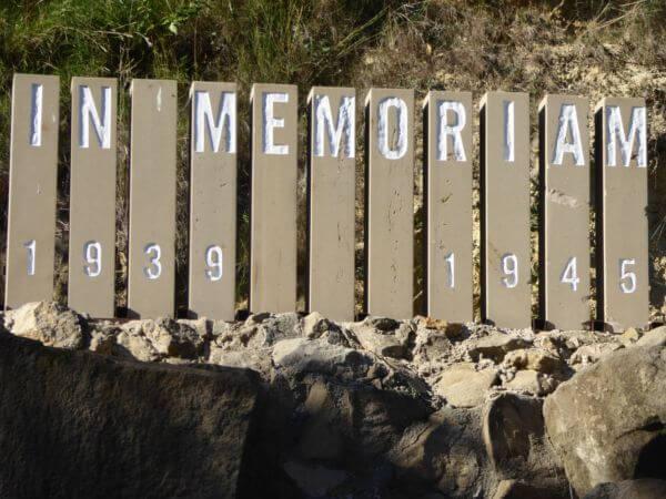 IN MEMORIAM holocaust Friedhof Montjuïc Barcelona Massengrab