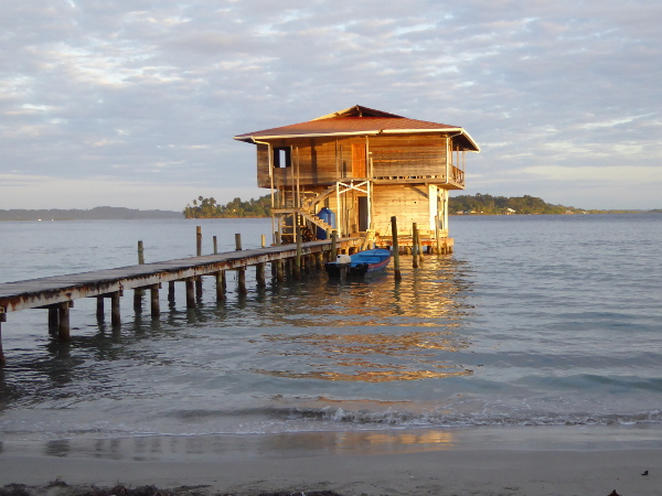 Isla Carenero Bocas del toro Panama Am Abend