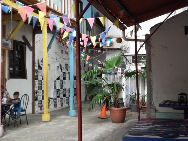 Panama City altstadt Bar im Hinterhof