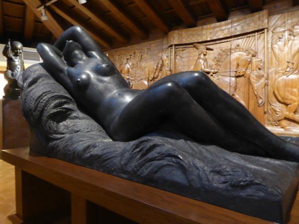 Altelier Frederic Mares Barcelona Museum Frauenstatue
