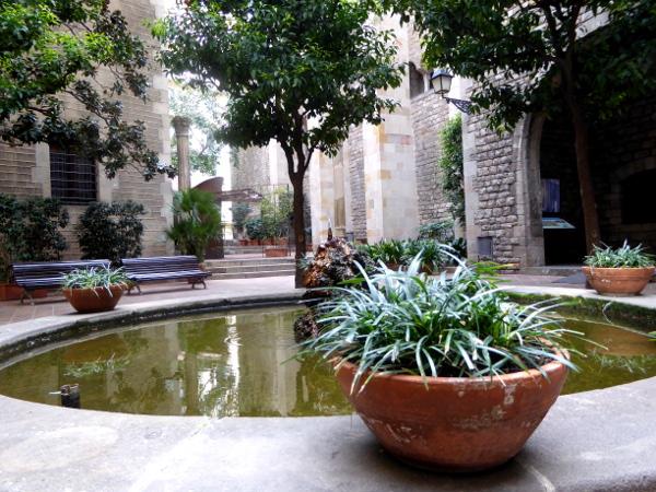 Brunnen Museu frederic mares palau reial barcelona