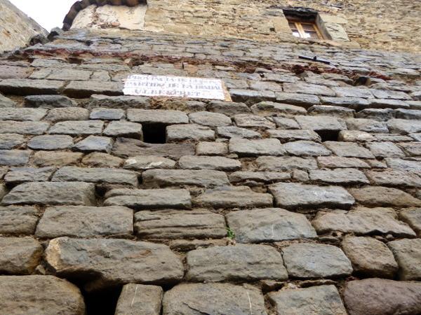 Mittelalterliches Ullastret Stadtmauer