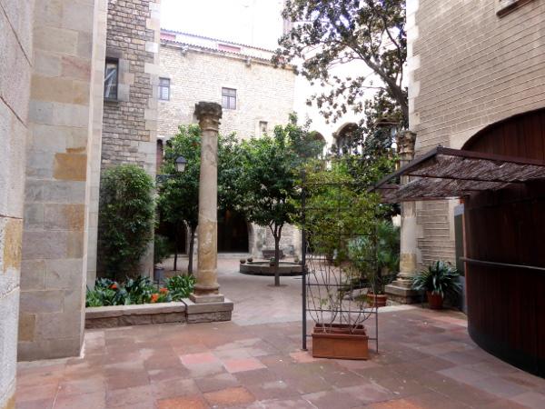 Patio Museu frederic mares palau reial barcelona