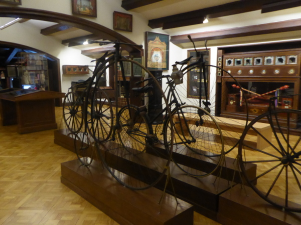 fahrrad Museu frederic mares palau reial barcelona