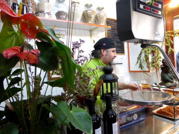 food tour gracia barcelona locals essen