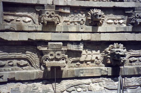 mexiko Quezalcoatl tempel teotihuacan pyramiden
