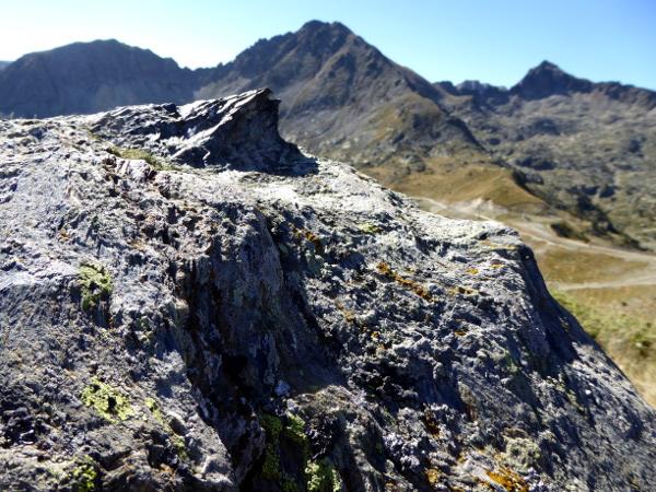 andorra-felsen-berge-freibeuter-reisen