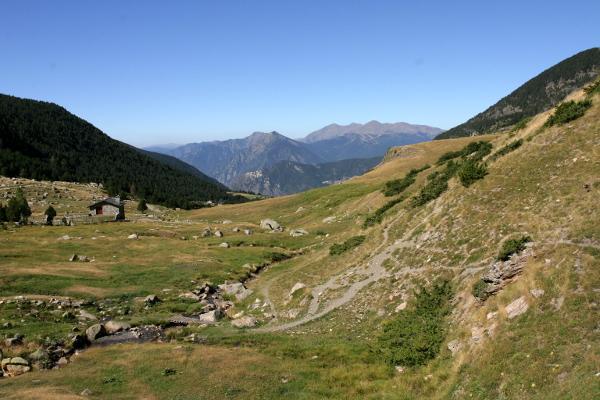 andorra-haus-in-den-bergen-encamp-freibeuter-reisen