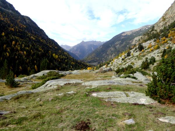 aussicht-wandern-nationalpark-aigueestortes-freibeuter-reisen
