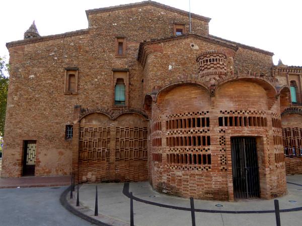 colonia-gueell-barcelona-freibeuter-reisen-masia