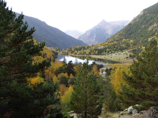 estany-llebreta-nationalpark-aigueestortes-freibeuter-reisen