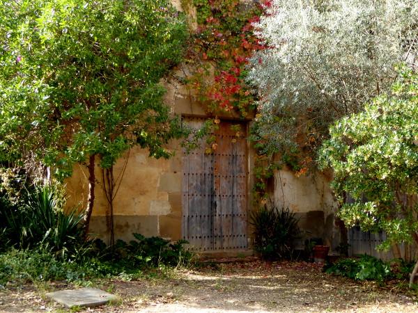 herbst-colonia-gueell-barcelona-freibeuter-reisen