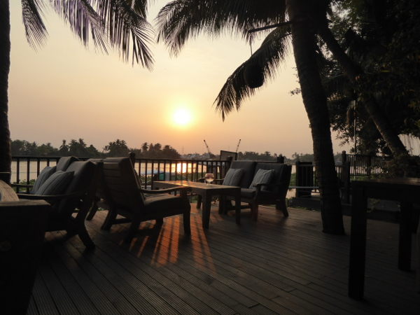 Saigon River an lam hotel am abend
