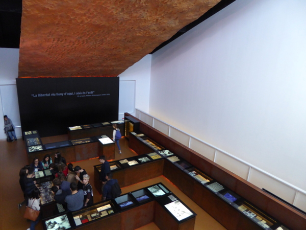 Museu de l'exili La Jonquera Fusstapfen Architektur freibeuter reisen