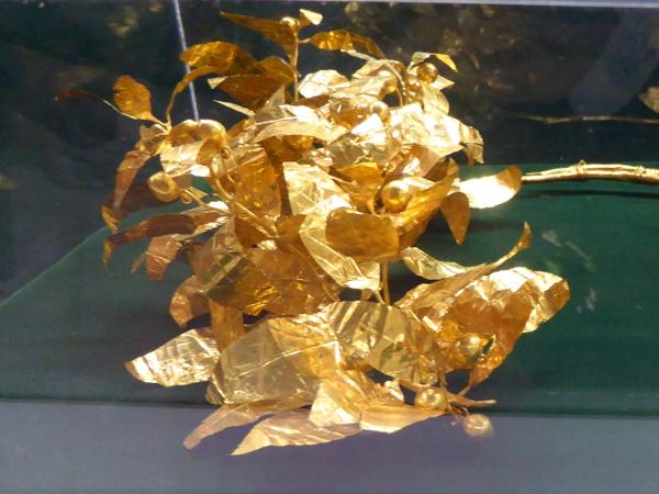 Vratsa Krone Gold schatz historisches Museum Bulgarien Freibeuter reisen