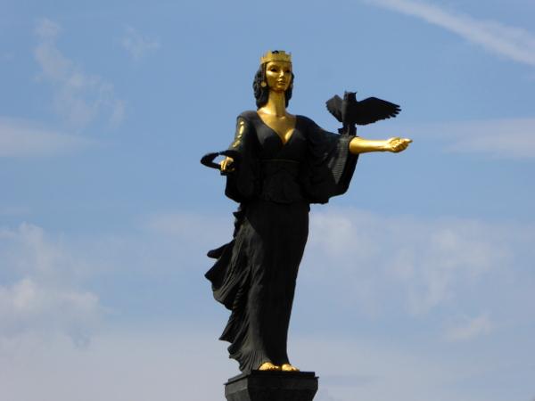 sofia statue hagia sofia weisheit glaube bulgarien freibeuter reisen