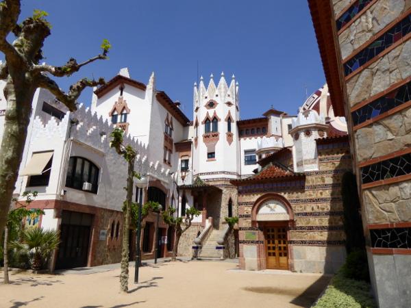 Pfarrhaus neben der Kirche Sant Romà lloret de Mar freibeuter reisen
