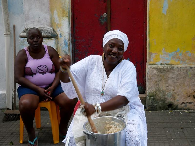 bahianerin acaraje candomble bahia brasilien freibeuter reisen
