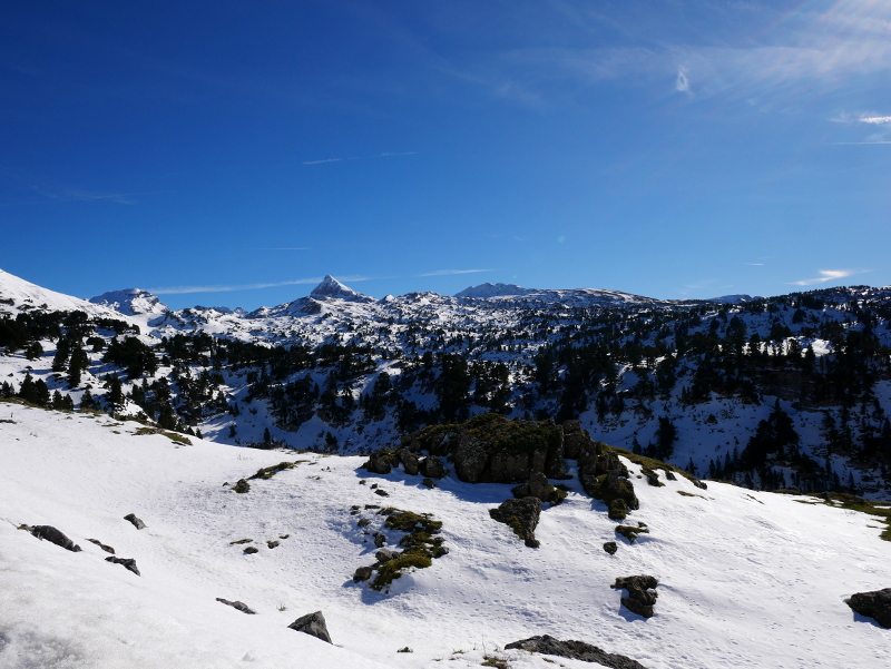 wandern in den Bergen Pyrenäen navarra spanien