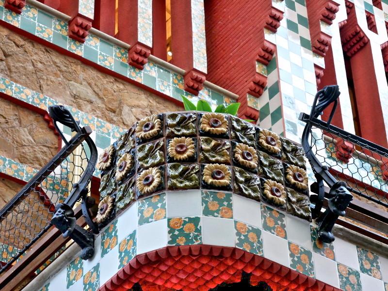 Casa vicens barcelona blume muster