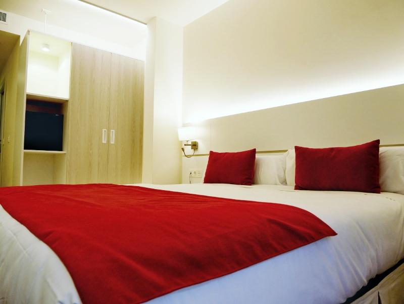 Hotel Pamplona rot weiss
