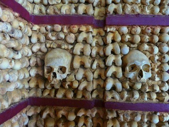 Capela dos ossos - die Knochenkapelle 6