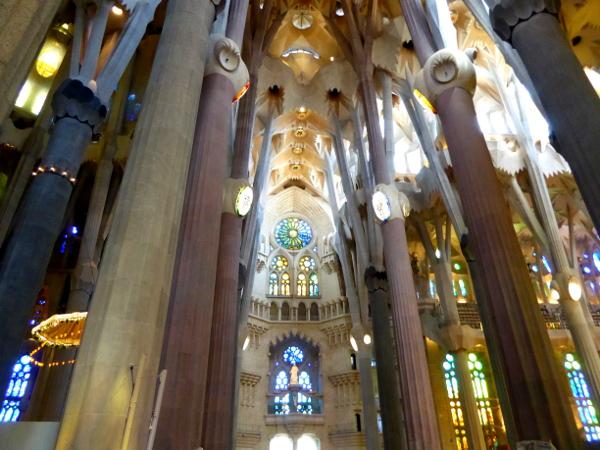 kirchenschiff sagrada familia barcelona freibeuter reisen
