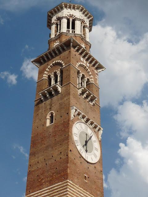 Verona Piazza delle Erbe Altstadt
