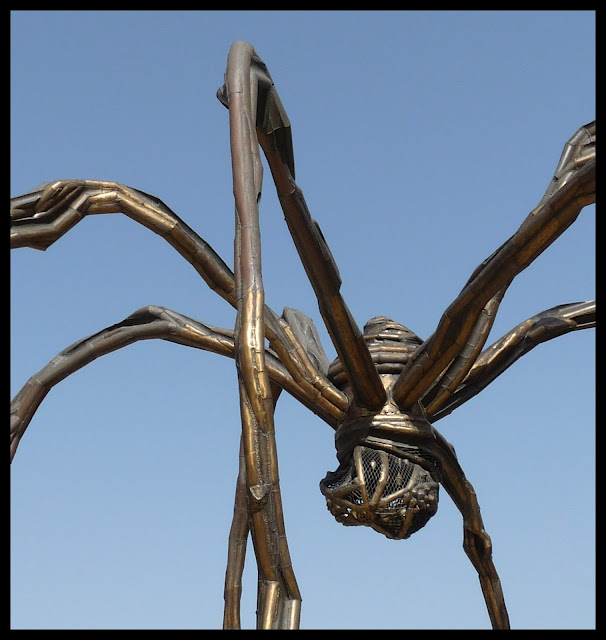 guggenheim bilbao spider maman mother