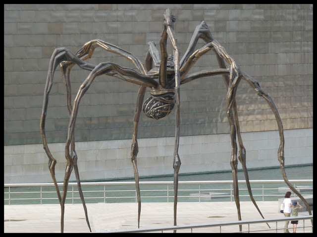 guggenheim bilbao spinne maman mother