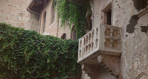 Der Balkon Der Julia In Verona