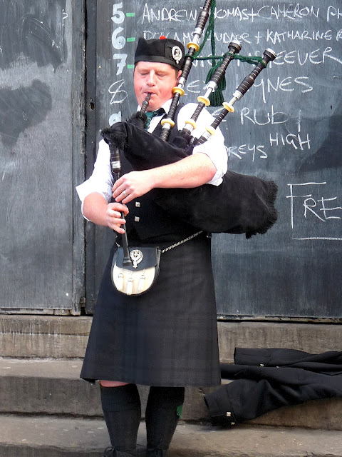 Edinburgh Schottland / Dudelsack