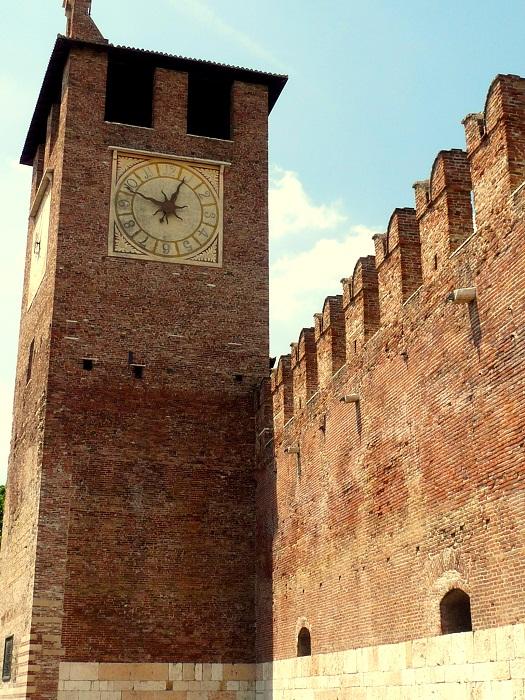 Verona Castelvecchio Turm und Ponte Sacagliero