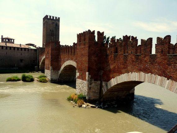 Verona: Castelvecchio und Ponte Scagliero 6
