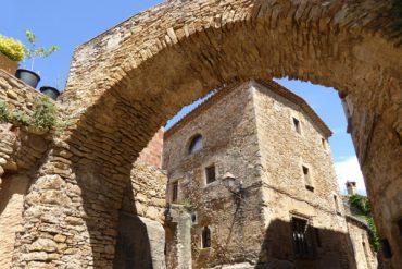 Peratallada - ein mittelalterliches Dorf aus Stein 12