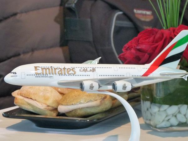Fly Emirates - mit dem A-380 von Barcelona nach Dubai 1