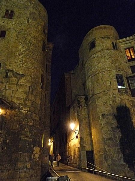 barcelona-barrio-gotico-altes-stadttor
