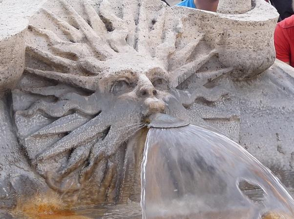 brunnen-fontana-rom-spanische-treppe
