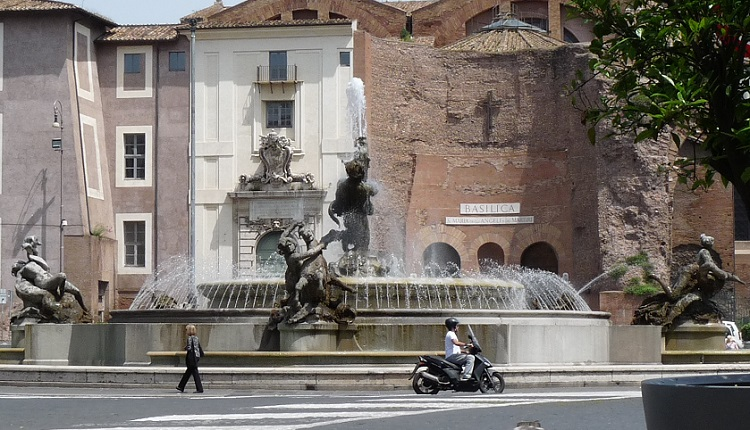 Brunnen Piazza Repubblica Fontana