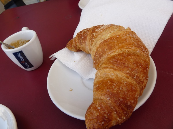 Frascati caffè  cornetto