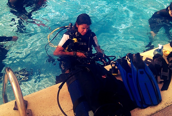 Tauchen Scuba Diving Training im Pool