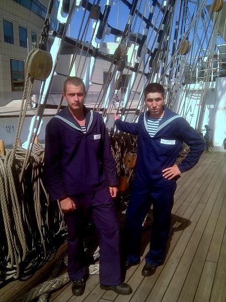 Russische Matrosen auf der Krusenstern - Barcelona Hafen
