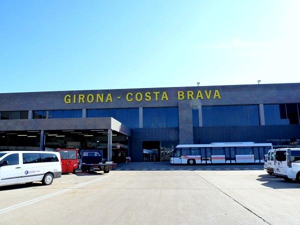 Girona Costa Brava Airport Berge